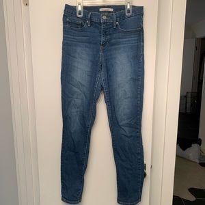 Levi's skinny jeans shaping skinny